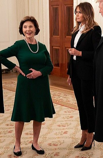 2019 White House Christmas.Flotus Melania Trump Gives Laura Bush A Tour Of The White