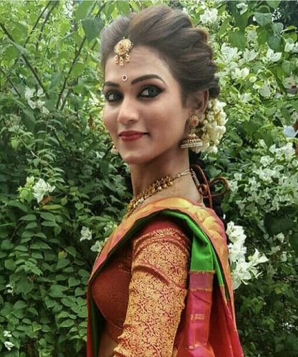 Five Awesome Things You Can Learn From Wedding Hairstyle For Saree Wedding Hairstyle For Saree Awe Indian Bride Hairstyle Indian Hairstyles Saree Hairstyles