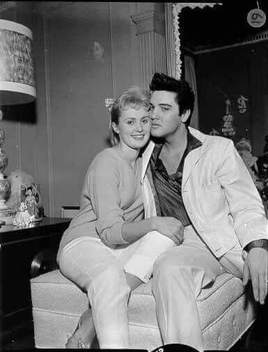 Elvis The King History Of Music Elvis Images Gallery 50 1957 Elvis Presley Photos Elvis Presley Young Elvis