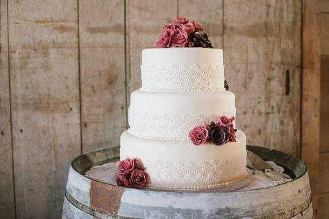 Rustic Elegant Barn Wedding Cake