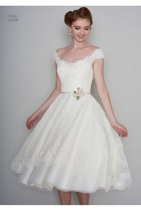 Loulou Bridal Daisy Rae Tea Length 1950s Vintage Style Short Wedding Dress In Lace With Cap Sleeve Short Wedding Dress Short Wedding Dress Vintage