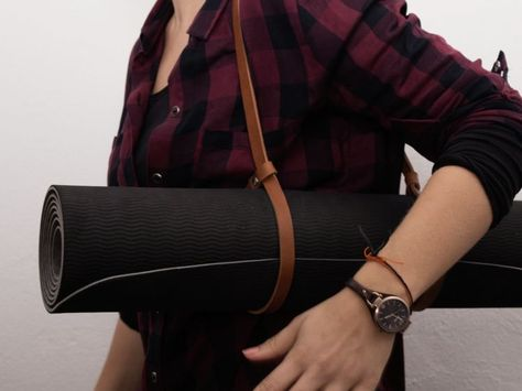 DIY Anleitung: Leder Tragegurt für Yogamatte in 5 Minuten