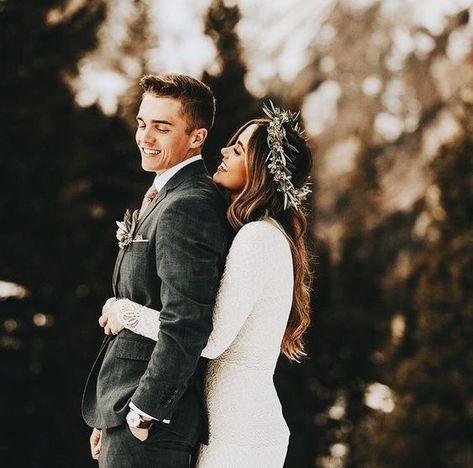 love this romantic wedding photo!