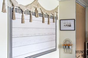 The cutest farmhouse classroom you ever saw. Visit this school room inspired by Magnolia Market and Joanna Gaines. It will have you wanting to pack a lunch and go back to school with it& fresh black and white decor and trendy farmhouse vibe. Classroom Layout, Classroom Decor Themes, New Classroom, Classroom Design, Classroom Organization, Classroom Ideas, White Shiplap, Black And White Theme, Resource Room