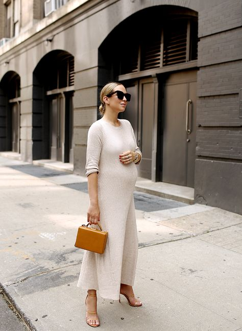These Shoes Are Made For Walkin' (Brooklyn Blonde) Fall Maternity Outfits, Stylish Maternity, Maternity Wear, Maternity Dresses, Maternity Fashion, Pregnant Dresses, Maternity Styles, Maternity Swimwear, Brooklyn Blonde