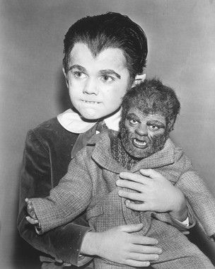 Eddie Munster and his Werewolf Doll Woof Woof The Munsters Series Publicity Photo Reprint Kitsch Horror TV Photography Halloween Decor The Munsters, Munsters Tv Show, Vintage Horror, Vintage Tv, La Familia Munster, Dramas, Tv Movie, Classic Monsters, Old Tv Shows