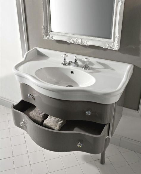 Sbordoni #Lazise #Mobile laccato con #lavabo in #ceramica ...
