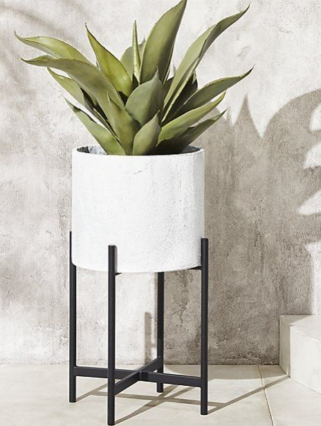Fiore White Planter With Stand Reviews Cb2 White Planters Modern Planters Modern Planters Outdoor