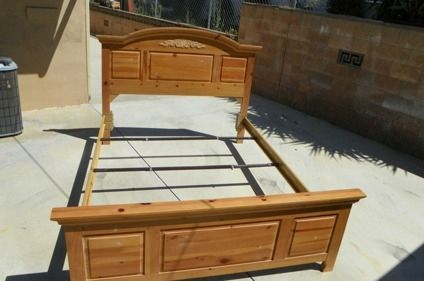 175 Queen Bed Frame Broyhill Fontana Collection Solid Wood Great Condition
