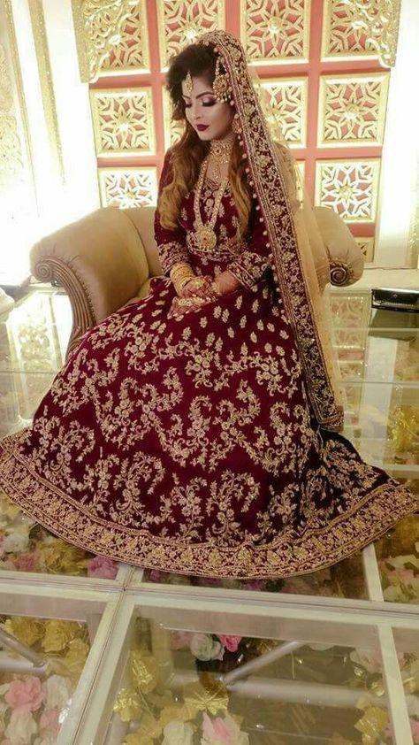 Where Can One Shop Wedding Lehengas With Traditional Blouses! #Lehengaideas #Lehengafashion2019