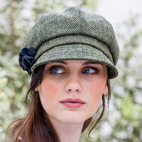 89b4c8e2335 This Ladies Newsboy cap. A mixture of old style and modern fashion. Makes  an excellent Irish gift for women of all ages. Fast shipping from our US  location.