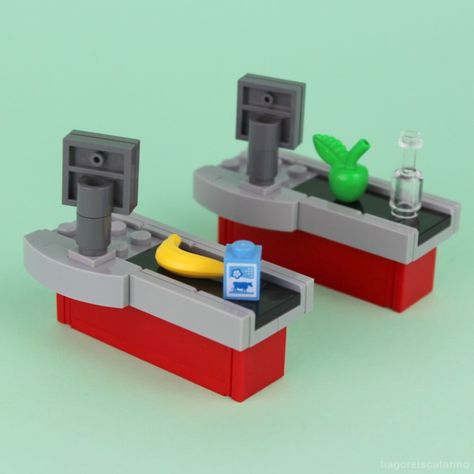 Learn how to build this Checkout Counter out of LEGO bricks! Lego Disney, Lego Minecraft, Minecraft Skins, Minecraft Buildings, Lego Design, Lego Duplo, Lego City, Legos, Lego Poster