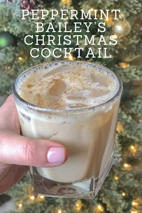 Peppermint Baileys Christmas Cocktail is the ULTIMATE Christmas drink. Original … Peppermint Baileys Christmas Cocktail is the ULTIMATE Christmas drink. Original Baileys and Smirnoff Peppermint Vodka come together over ice with a sprinkle of. Christmas Drinks Alcohol, Holiday Cocktails, Cocktail Drinks, Holiday Alcoholic Drinks, Vodka Cocktails, Martinis, Cocktail Recipes For Christmas, Adult Holiday Drinks, Drink Recipes