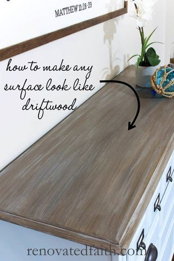 EASY Driftwood Technique with Latex – Here's how to create a faux driftwood finish on furntiture as well as a diy beachwood finish. This diy driftwood stain technique gives you a predictable weathered Refurbished Furniture, Repurposed Furniture, Diy Furniture Repurpose, Driftwood Stain, Driftwood Furniture, Painted Driftwood, Driftwood Projects, Driftwood Art, Diy Möbelprojekte