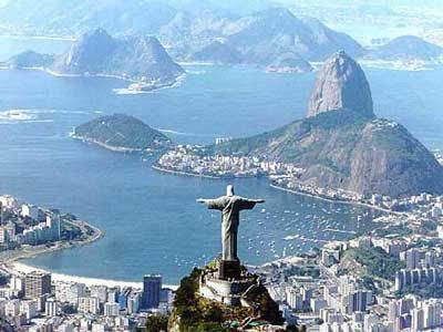 Cristo Redentor (Christ the Redeemer) rio de Janeiro looks like an incredible city to visit.