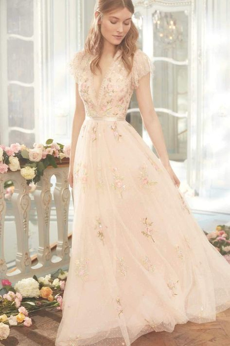 Cap Sleeve Gown, Cap Sleeves, Pretty Dresses, Beautiful Dresses, Before Wedding, Vestidos Vintage, Gowns Of Elegance, Prom Dresses, Wedding Dresses