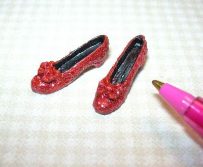 "Miniature Red Glitter ""Ruby Slippers"" w/Bow:  DOLLHOUSE Miniatures 1/12 Scale"