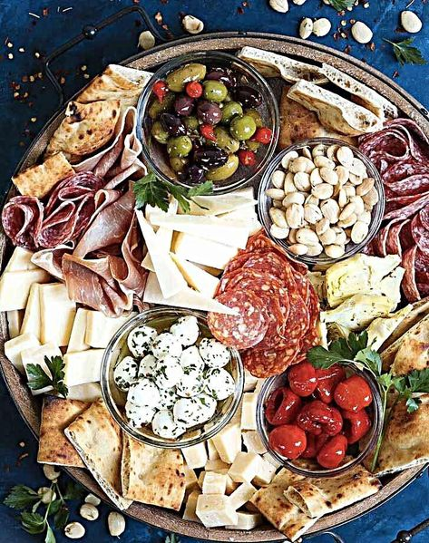 Antipasto Appetizer Cheese Board Antipasto Appetizer Cheese Board - Learn how to build the absolute PERFECT antipasto platter! It's unbelievably easy and sure to be a crowd-pleaser for all your guests! Served with cured meats, fresh chees Charcuterie And Cheese Board, Charcuterie Platter, Antipasto Platter, Cheese Boards, Meat Cheese Platters, Wine Cheese, Charcuterie For Dinner, Cured Meat Platter, Antipasti Board