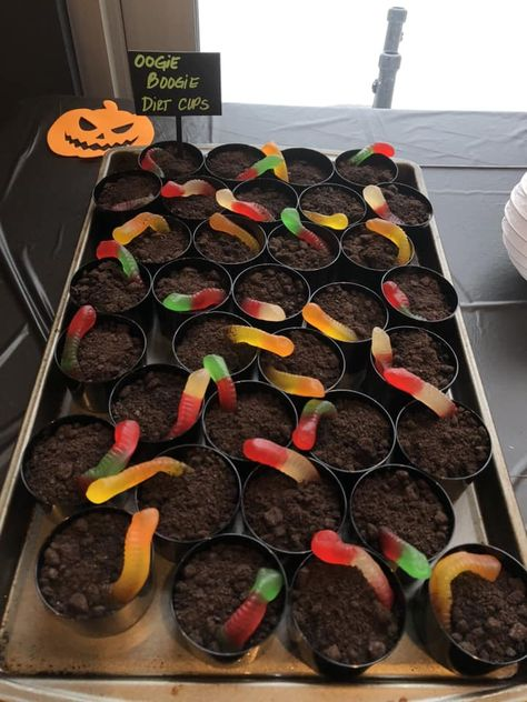 Whether it's a Halloween or Christmas party, these Nightmare Before Christmas Party Ideas will come in handy. You'll be on your way to having the best Oogie Boogie Bash of them all in no time! Nightmare Before Christmas Babyshower, Nightmare Before Christmas Decorations, Nightmare Before Christmas Halloween, Halloween Christmas, Halloween Pumpkins, Tacky Christmas Party, Creepy Halloween Food, Homemade Halloween, Halloween Stuff