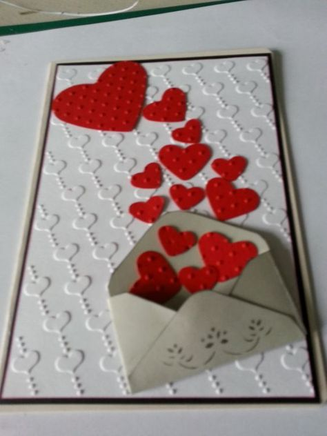 Valentines day Cards <br> Express your love with the cutest Valentines Day card ideas presented here. Here you'll find over 40 easy & adorable DIY Valentines Day Cards for him. Diy Valentine's Day Cards For Him, Diy Cards, Valentines Day Cards Handmade, Valentine Day Crafts, Valentine's Day Handmade Cards, Printable Valentine, Kids Valentines, Homemade Valentines, Valentine Box