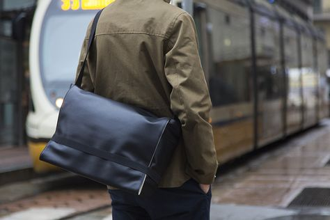 Moleskine Bags Collection - Classic Messenger Bag  0daa45742a841