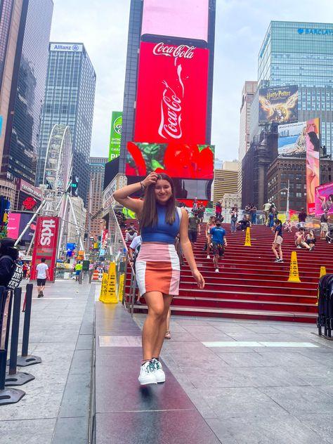 #newyork #newyorkcity #newyorkaesthetic #timesquare #instagrammarketing #aesthetic #photoposes #vlog #contentcreator