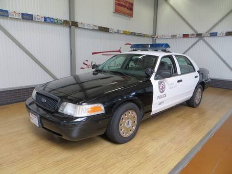 Police Cars For Sale >> Ford Crown Victoria Police Car Lapd For Sale 2005 Police