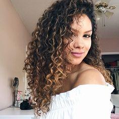 Pin By Elizabeth D On Hairfacenailz Brunette Balayage Hair Balayage Brunette Ombre Curly Hair
