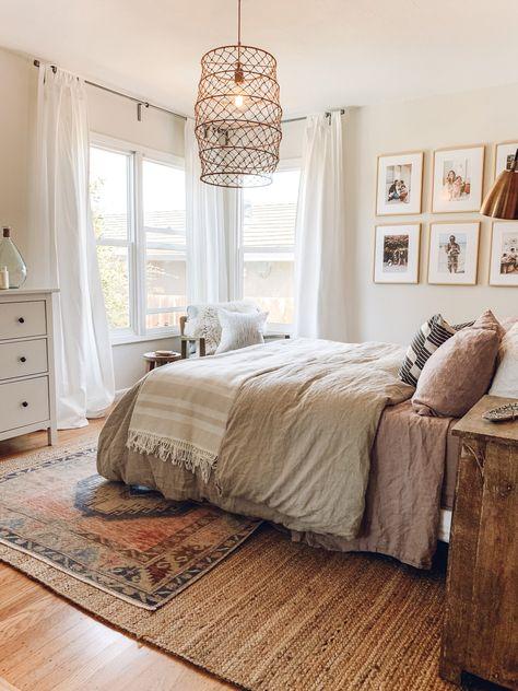 Cozy Bedroom, Bedroom Decor, Bedroom Ideas, Bedroom Rugs, Layered Rugs Bedroom, Bedroom Shelves, Bedroom Makeovers, Bedroom Apartment, Entryway Decor