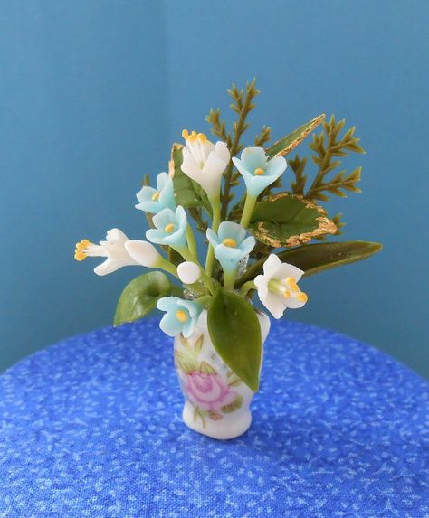 Dollhouse Miniature 1:12 Scale Tulips /& Irises in a Floral Vase