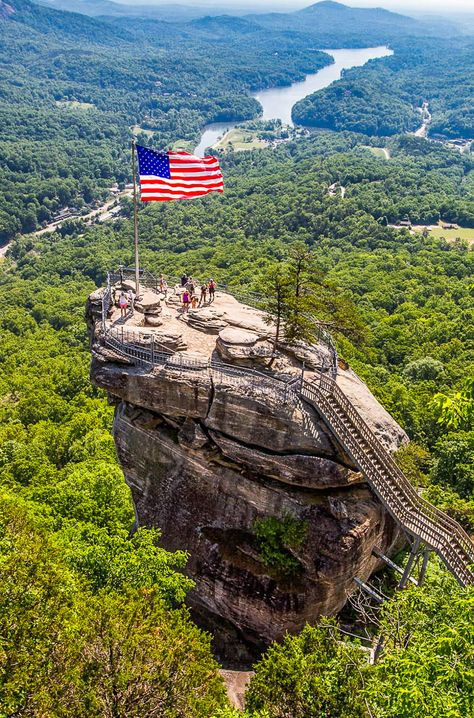 Planning to visit NorthCarolina? Check out this list of 45 things to do in North Carolina including the best places to visit in North Carolina plus top NC attractions and activities. From the North Carolina mountains to the NC beaches there is something here for eveyrone. Don't plan a North Carolina road trip before reading these North Carolina travel tips! #NC #NorthCarolina #travel #roadtrips #vacations #familytravel