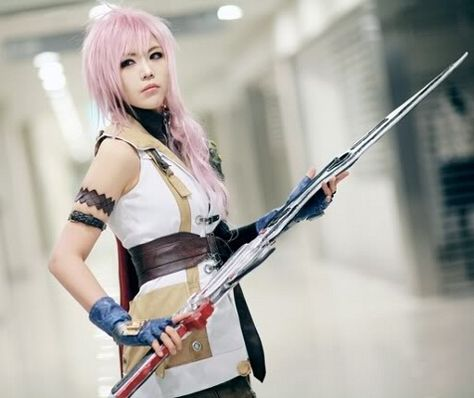 Final Fantasy 13 - Lightning Cosplay