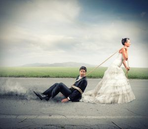 6 Surprising Reasons Why You Keep Attracting The Wrong Partners Crazy Wedding Photos Funny Wedding Pictures Wedding Humor