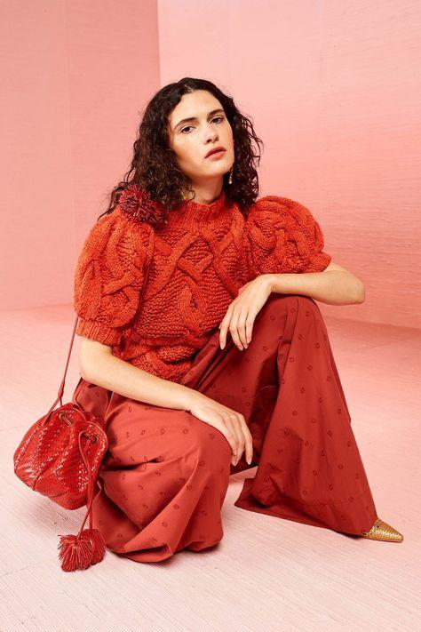 Ulla Johnson Resort 2019 collection, runway looks, beauty, models, and reviews.