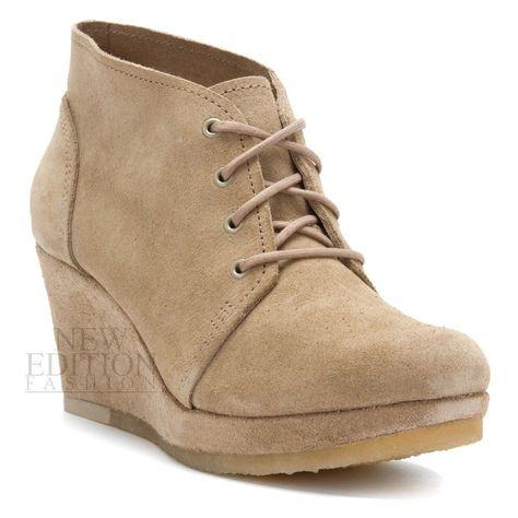 17a46048dc34 Clarks Originals Vogue Aurora Womens Wedge Lace Up Suede Boots 64847 Stone