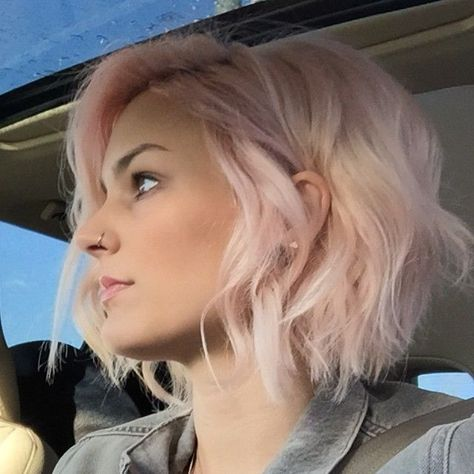 short pink bob haircut, love this color! I need ideas to style this length of hair I currently have. Want it to grow out some