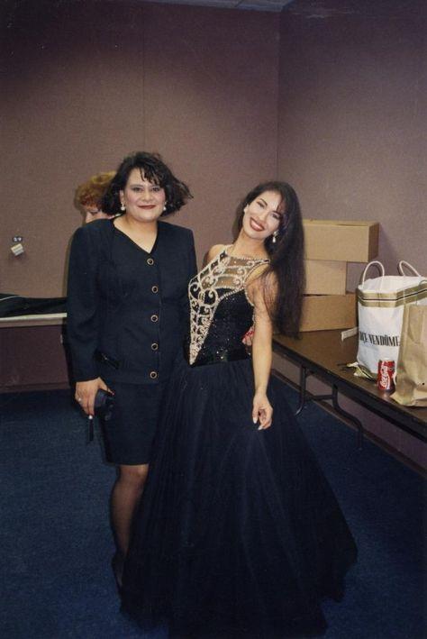 Selena in a stunning gown ♥ - Selena Quintanilla-Pérez Photo - Fanpop