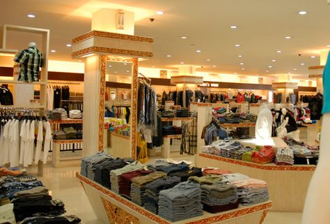 Bali Brasco Has Various Fashion Items Including Shoes And Bags You