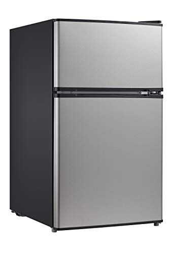 7 Best Man Cave Refrigerator Plus 1 To Avoid 2020 Buyers Guide Freshnss Compact Refrigerator Mini Fridge Compact Fridge
