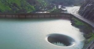 Como Se Hace Un Lago Artificial