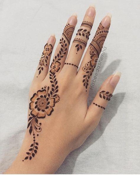 Modern Henna Designs, Henna Tattoo Designs Simple, Finger Henna Designs, Mehndi Designs For Beginners, Mehndi Designs For Girls, Mehndi Design Photos, Mehndi Simple, Mehndi Designs For Fingers, Beautiful Mehndi Design