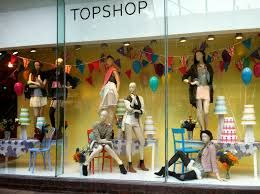 Let Your Window Display Tell Story Through Our Unique Mannequin Get Them Now At Http Manneq Visual Merchandising Retail Dissertation Topics