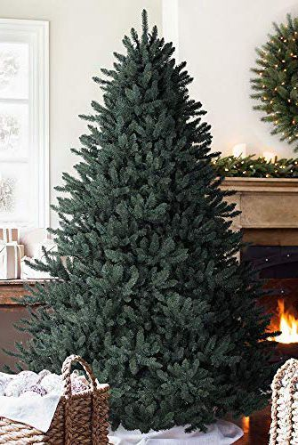 Balsam Hill S Best Selling Faux Tree Just Secretly Went On Sale At Its Lowest Price Ever On Amazon Best Artificial Christmas Trees Cool Christmas Trees Fake Christmas Trees