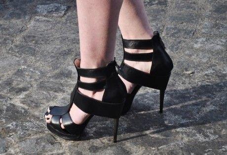 Épinglé par Alisa W sur More Heels! (avec images)   Talons