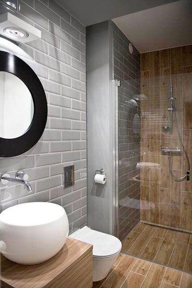 10 petites salles de bain pleines d\'astuces déco | Small bathroom ...