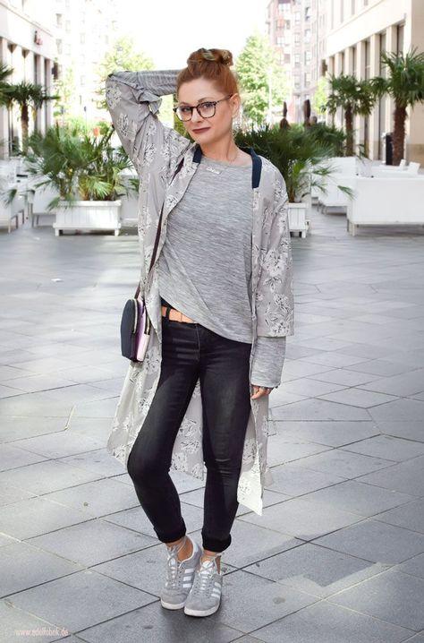Kimono / So trägst Du den stylischen Kimono Mantel zur Jeans :)  #over40style #Ü40mode #Ü40blog #over40blog #fashionover40 #40plusstyle #ü40 #mature #maturewoman #womenwithstyle #ü40blogger #ü40bloggerin #over40fashion #over40andfabulous #over40fashionblogger #40plus #40plusblogger #40plusfashion #blumenmuster  #kimono #kimonomantel #ü40look
