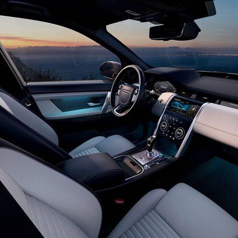 Land Rover Range Rover Velar R-Dynamic 2020 Range Rover Black, Range Rover Sport, Range Rovers, Luxury Sports Cars, Top Luxury Cars, Luxury Cars Interior, Range Rover Interior, Dream Cars, Macan S