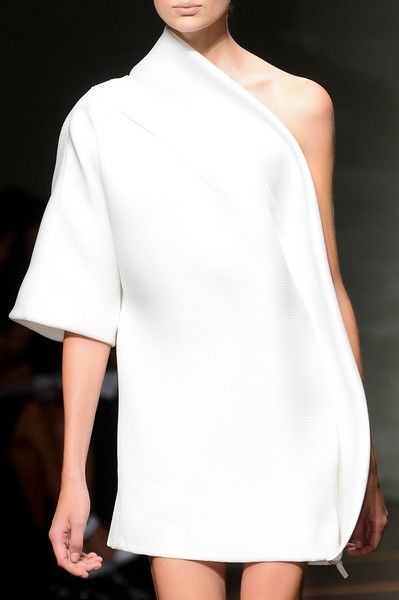 Gianfranco Ferré Spring 2013 - Details  #minimal #style #fashion #chic @code + form