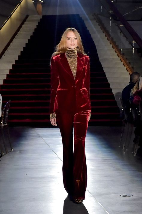 Rachel Zoe Fall 2018 Ready-to-Wear Fashion Show Collection: See the complete Rachel Zoe Fall 2018 Ready-to-Wear collection. Look 11 Fashion 2018, Love Fashion, Runway Fashion, High Fashion, Autumn Fashion, Fashion Outfits, Womens Fashion, Rachel Zoe, Haute Couture Style