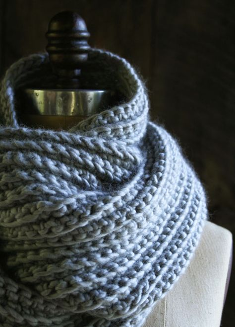 WHIT'S KNITS: CROCHETED RIB COWL